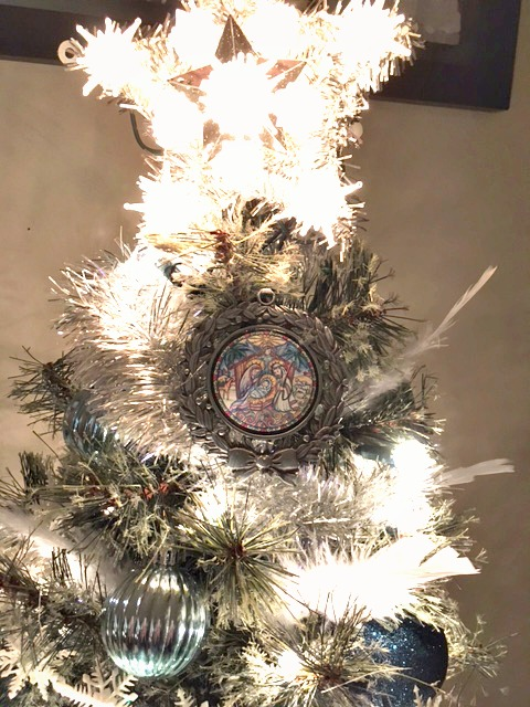 manger-ornament-and-star